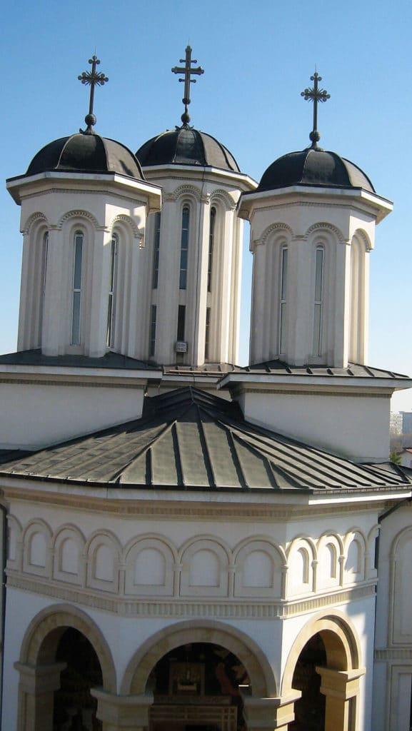 Finisare-complexa-biserici-exterior-4