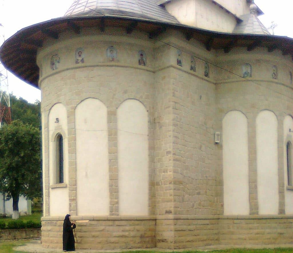 Finisare-complexa-biserici-exterior-8