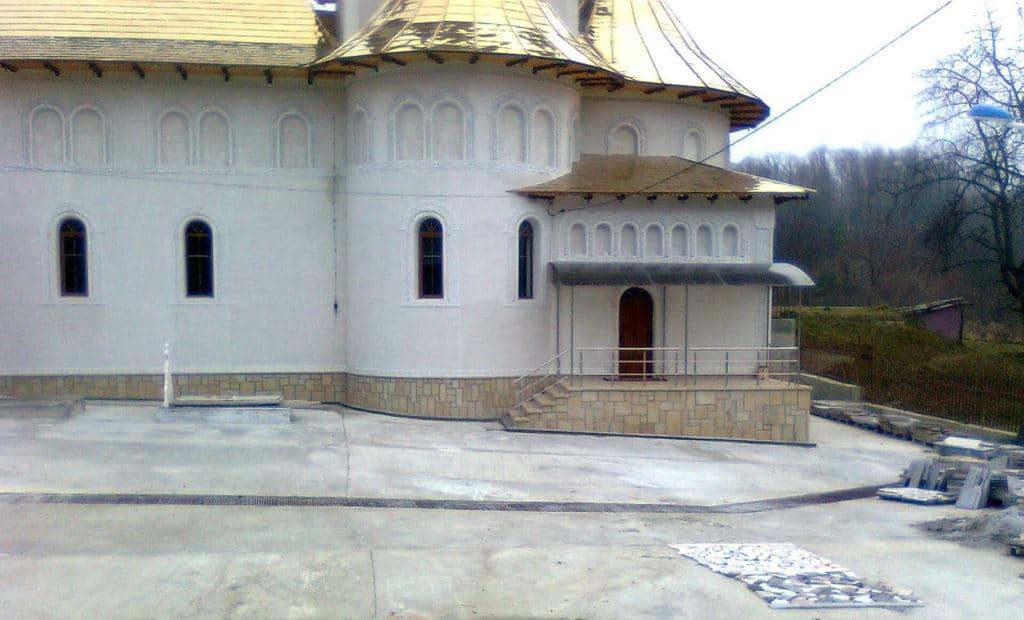 Finisare-complexa-biserici-exterior-9