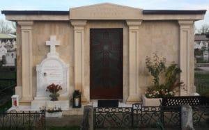Monumente funerare obișnuite