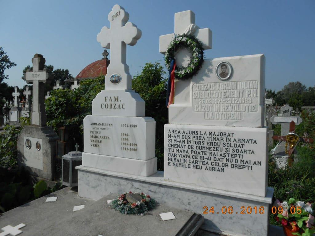 Monumente-funerare-obisnuite-10