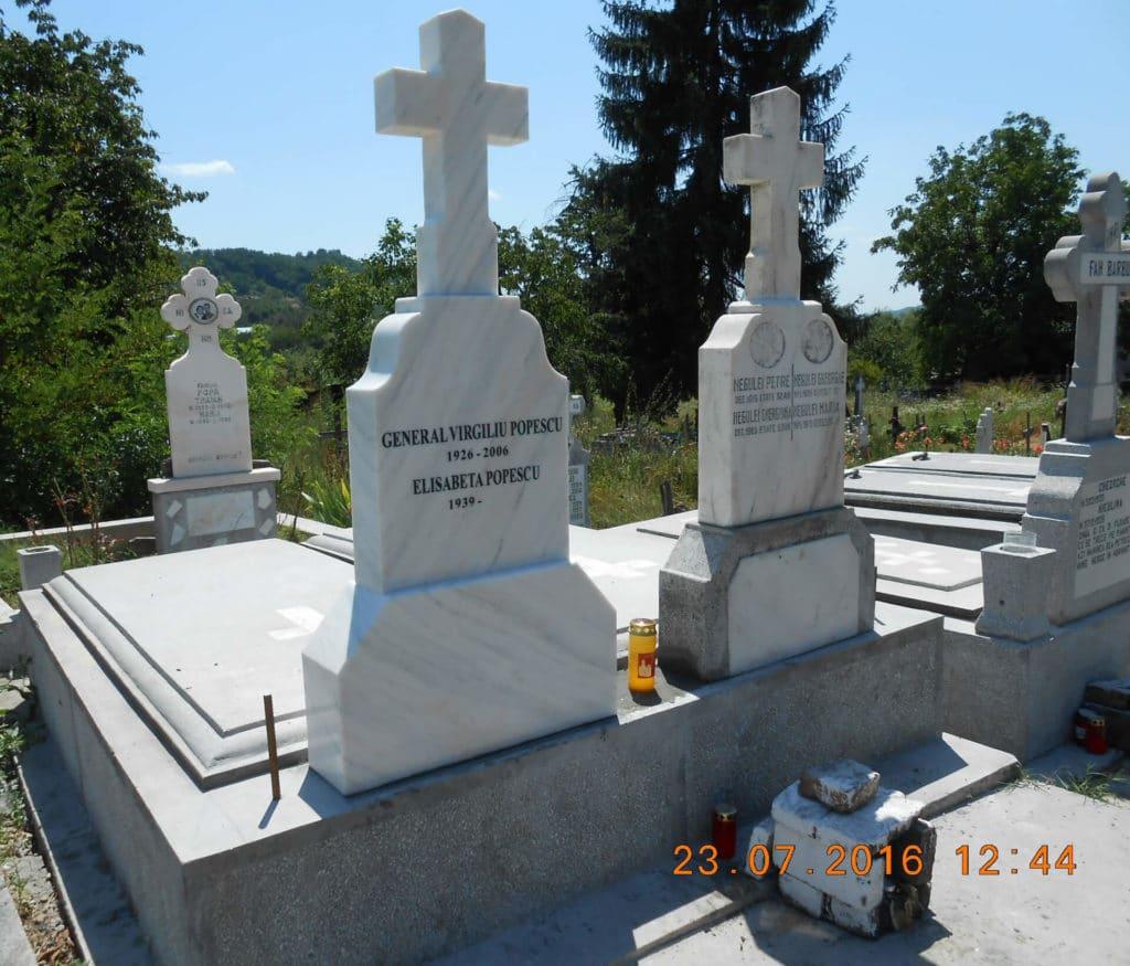 Monumente-funerare-obisnuite-7