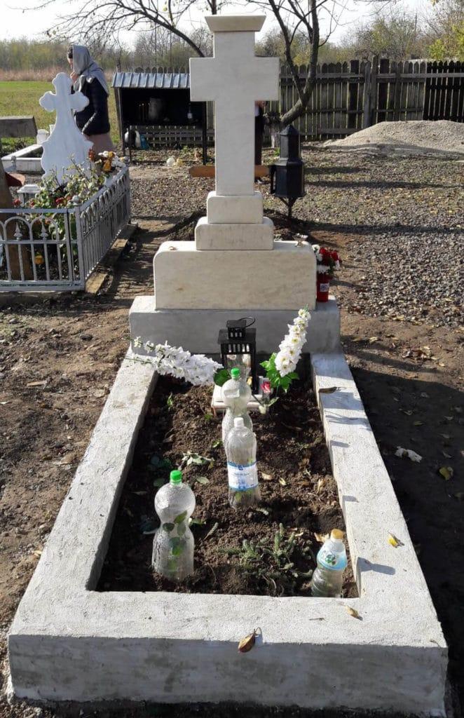 Monumente-funerare-obisnuite-8